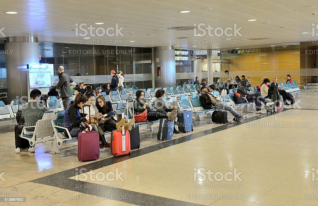 Passagers à l'aéroport de Madrid-Barajas - Photo