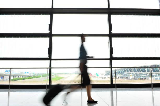 Passengers in Shanghai Pudong International Airport Airport – zdjęcie