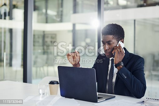 936117940 istock photo Passing on some further instruction to make success his 1173732545