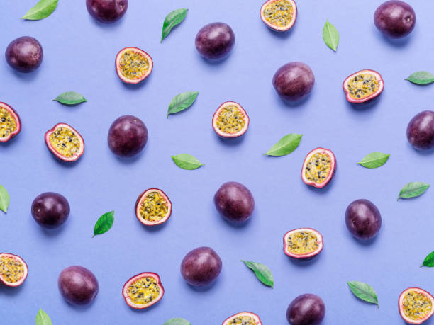 passion fruit background. - passiflora foto e immagini stock
