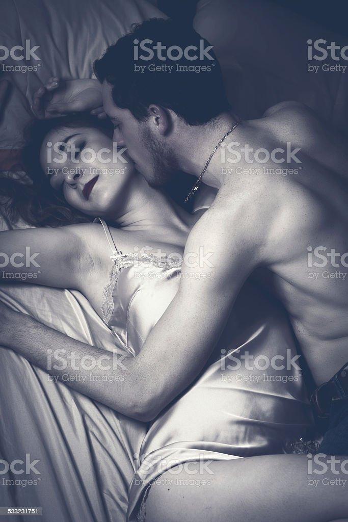 Смотреть страсть и любовь этой пары секс