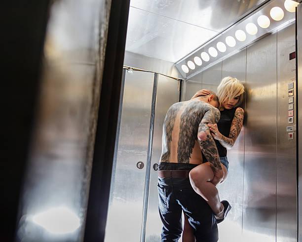 Bilder frau intim tattoos Genital Tattoos