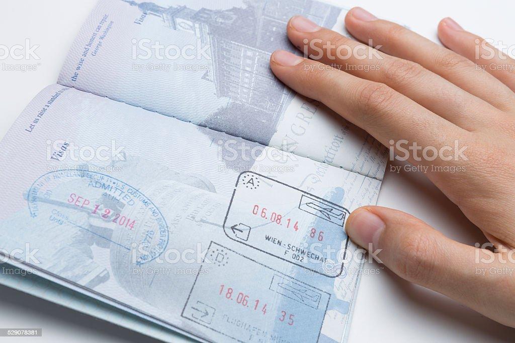 Attraktiv Reisepass Mit Schengen Und USA Briefmarken Lizenzfreies Stock Foto