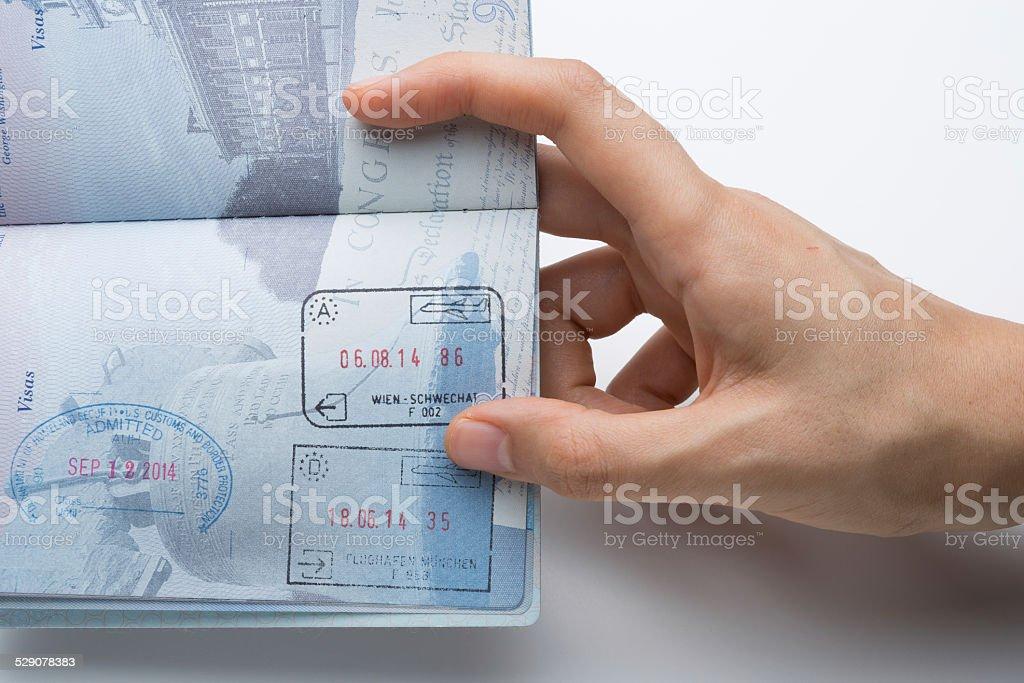 Fesselnd Reisepass Mit Schengen Und USA Briefmarken Lizenzfreies Stock Foto