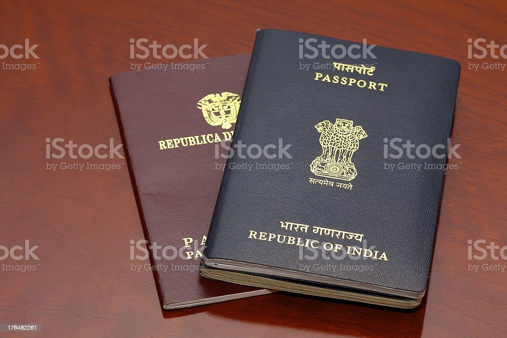Pasaportes y Colombia-India - foto de stock