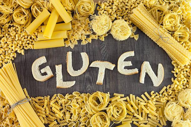 pasta and bread contains gluten - impasto per il pane foto e immagini stock