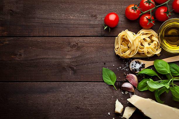 ingredientes de massa  - comida italiana - fotografias e filmes do acervo