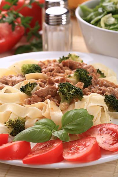 パスタ、肉と野菜 - 91483703 ストックフォトと画像
