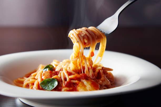 pasta - aziatische noedels stockfoto's en -beelden