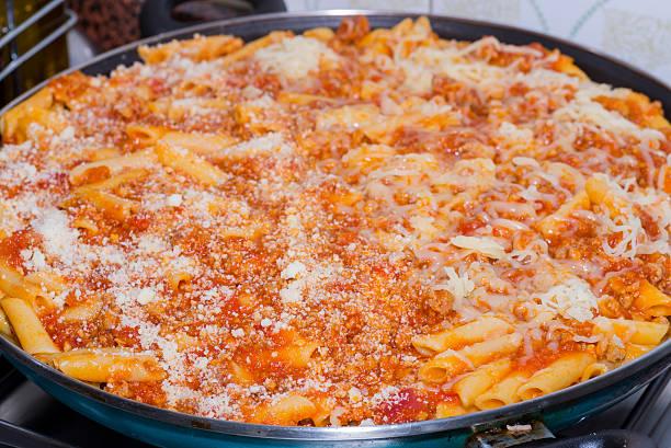 pasta. - gemüseauflauf mit hackfleisch stock-fotos und bilder