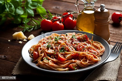istock Pasta plate 637214478