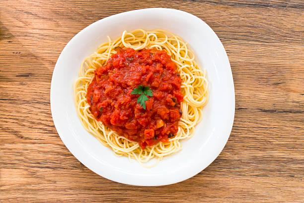 pasta spaghetti napoli - spaghetti tomatensauce stock-fotos und bilder