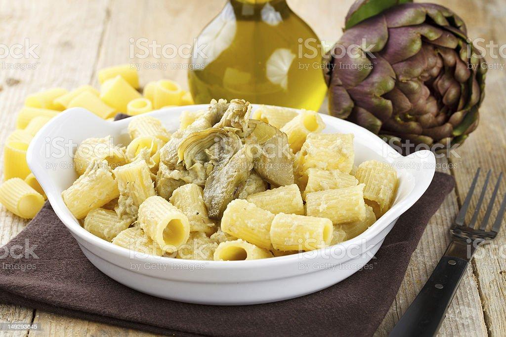Pasta con carciofi - foto stock