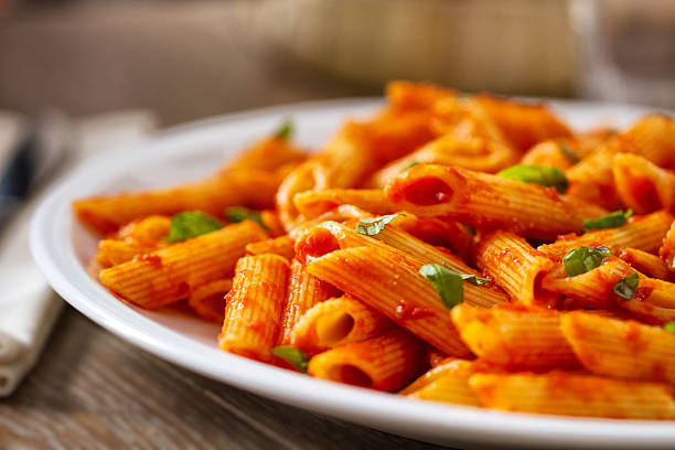 Nudeln mit Tomaten sauce – Foto