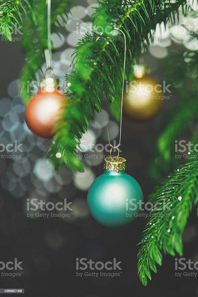 Pastel De Navidad Con Ramas De Arbol De Navidad Ornamentos