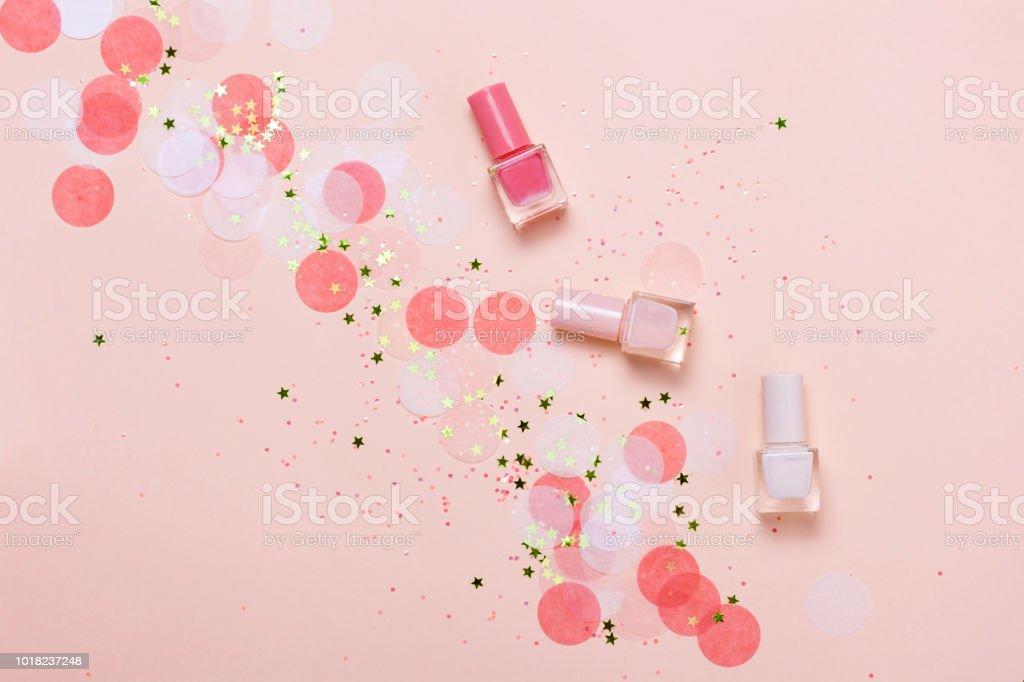 Esmaltes De Uñas Color Rosa Pastel Y Confeti Estrellas Y