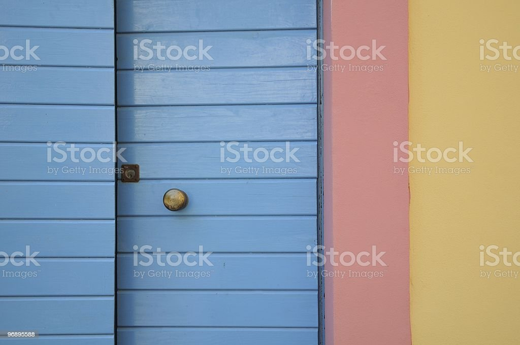 Una casa color pastello royalty-free stock photo