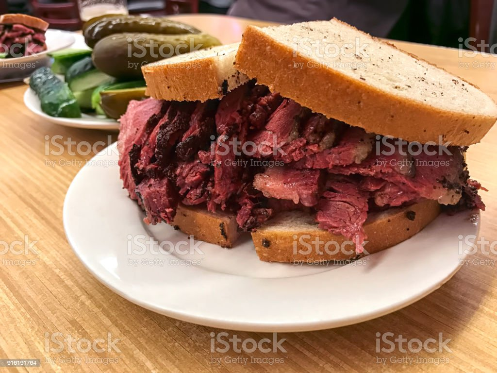 Sanduíche de Pastrami - foto de acervo
