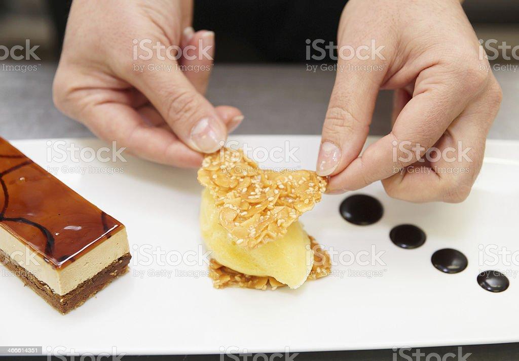 Pastry Chef Dekoration Dessert Ist Stockfoto Und Mehr Bilder
