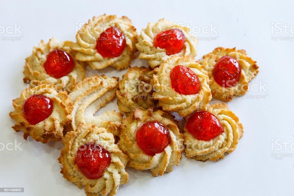 Pâtisserie biscuits avec des cerises photo libre de droits