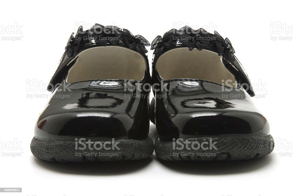 De cuero zapatos de bebé patente foto de stock libre de derechos
