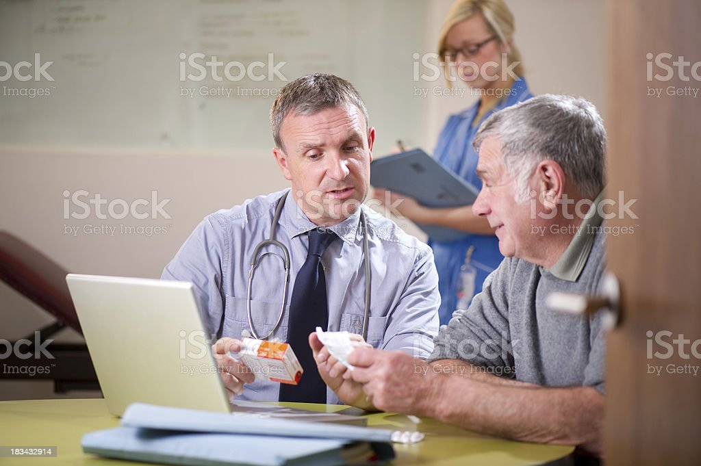 doctor gives patient advice