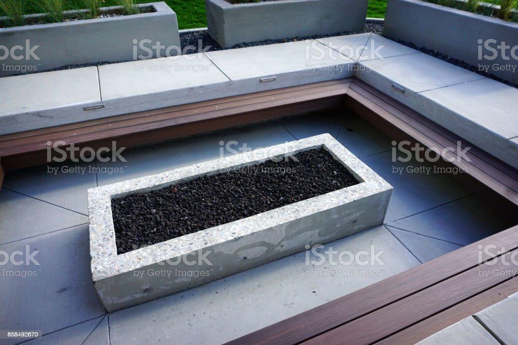 Feuerstelle Auf Der Terrasse Stockfoto Und Mehr Bilder Von Beleuchtet Istock