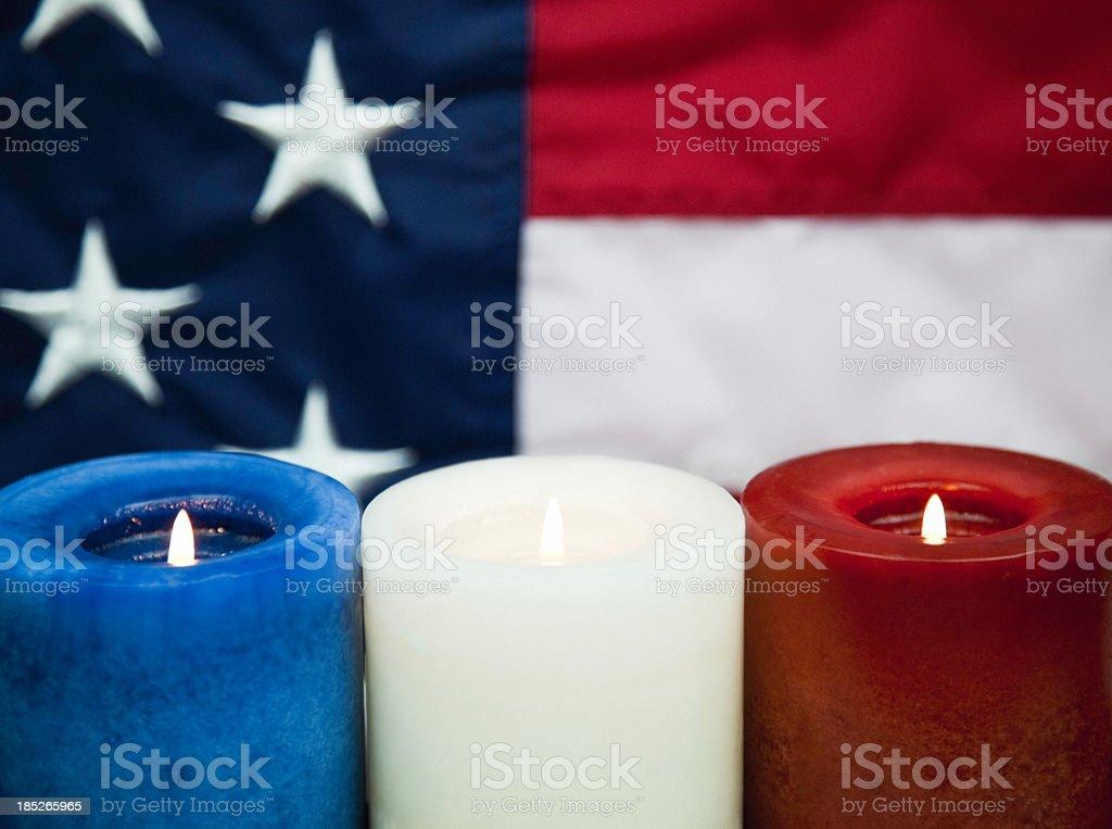 Patriótica estadounidense la luz de las velas vigilia Horizontal - foto de stock