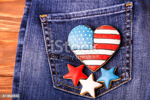 istock Patriotic cookie on a back pocket of jeans 511804840