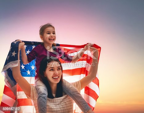 539482224 istock photo Patriotic holiday and happy family 539482112