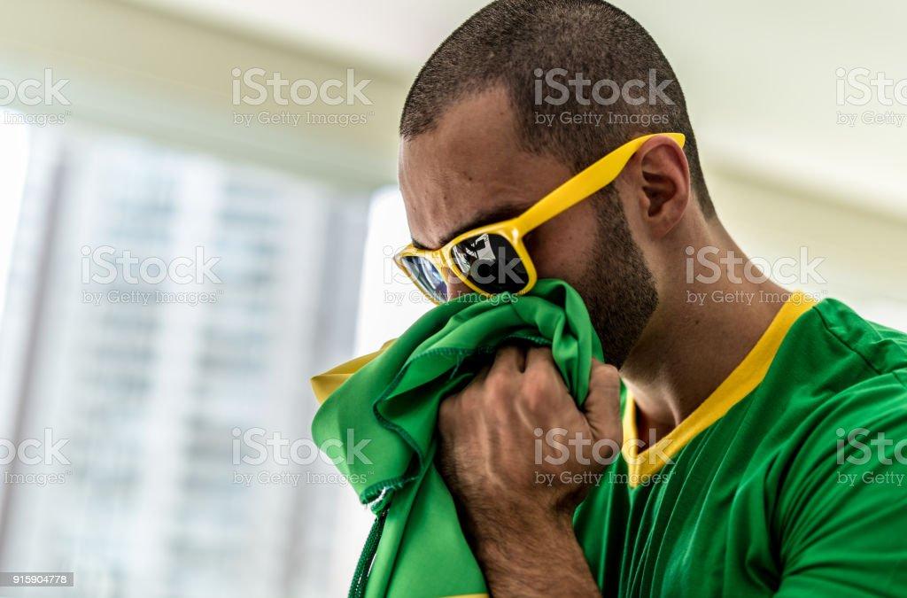 Patriotismo e celebração de uma jovem fã brasileira - foto de acervo