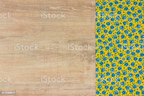 Pattern flower cloth napkin on empty wooden background picture id873286670?b=1&k=6&m=873286670&s=612x612&h=zdjlcjlnjiuehmgql6vhotbdqqjnn0d8nlca7g5s1to=