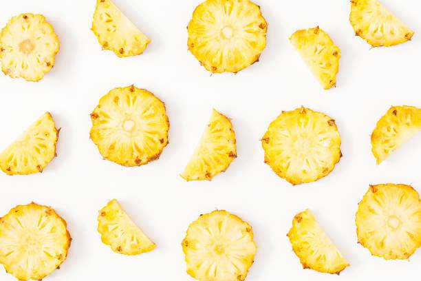 Modèle fait d'ananas en tranches. Vue plate Lapointe, top - Photo
