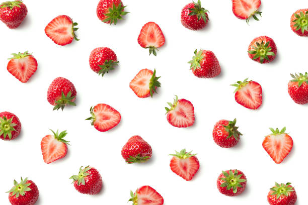 pattern of fresh strawberries - strawberry imagens e fotografias de stock