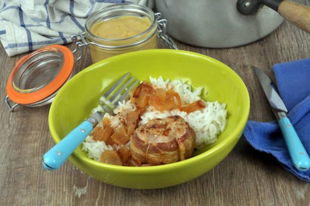 Paupiette de veau avec du riz Paupiette de veau avec du riz dans une assiette riz stock pictures, royalty-free photos & images