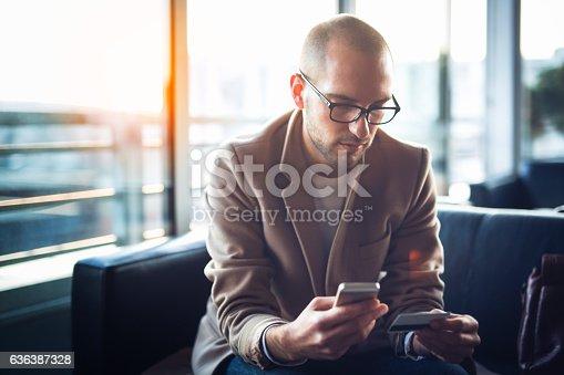 istock Payment online 636387328