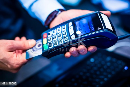 914593772istockphoto Payment with credit card 471448502