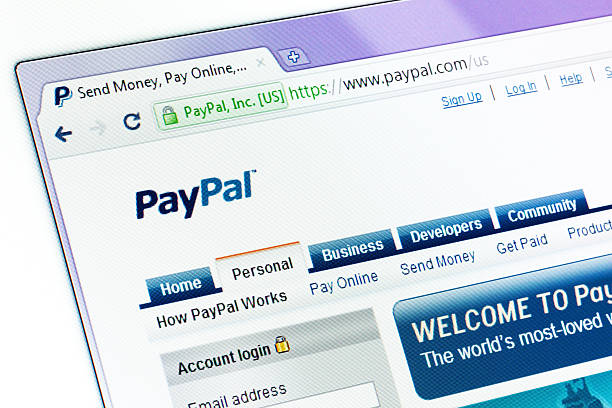 sito web paypal nella finestra del browser - paypal foto e immagini stock
