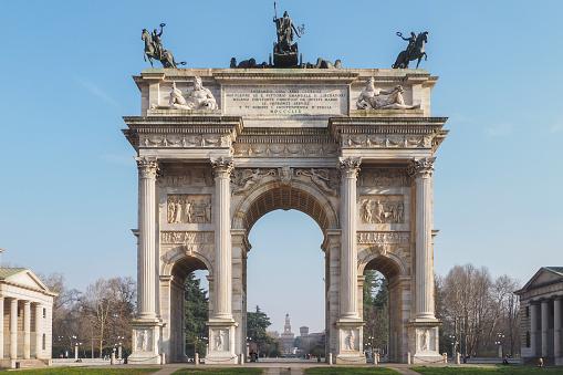 Pace Arco Parco Sempione E Il Castello Sforzesco A Milano Fotografie Stock E Altre Immagini Di Antico Condizione Istock