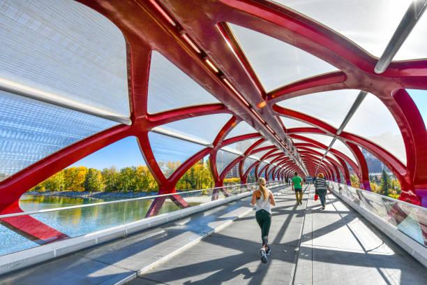 Friedensbrücke in Calgary, Alberta, Kanada – Foto