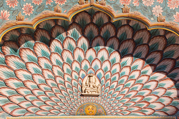 peacock gate - pfau bilder stock-fotos und bilder