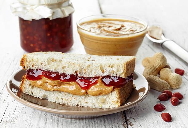 peanut butter - pindakaas stockfoto's en -beelden