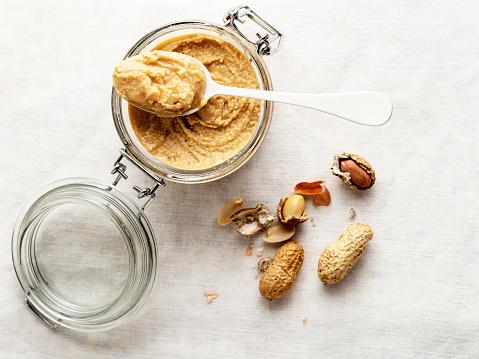 peanut butter,peanut,Jar of peanut butter