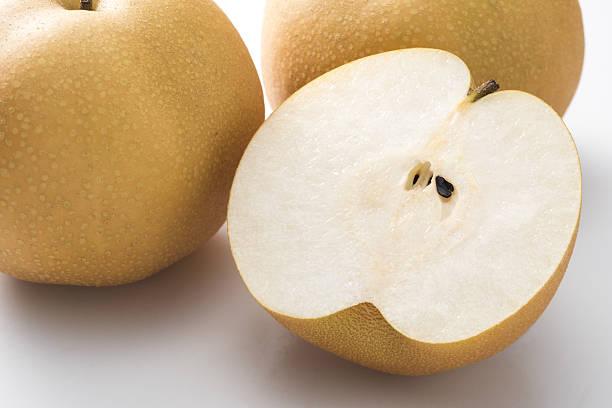 pear cross section cut - ナシ ストックフォトと画像