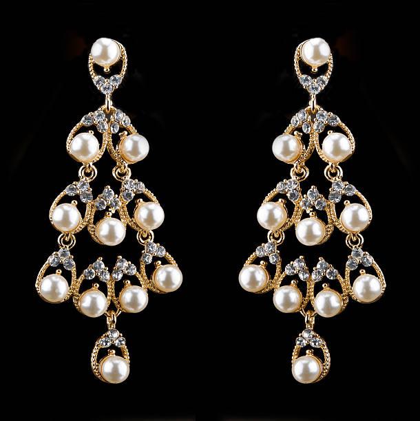 birne diamanten, perlen ohrringe - ohrringe tropfen stock-fotos und bilder