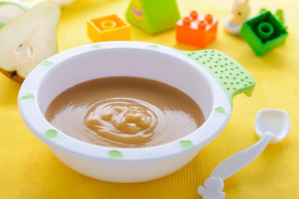 Birnenpüree in bowl – Foto