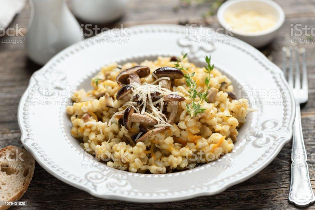 Risotto aux champignons orge perlé - Photo de Aliment libre de droits
