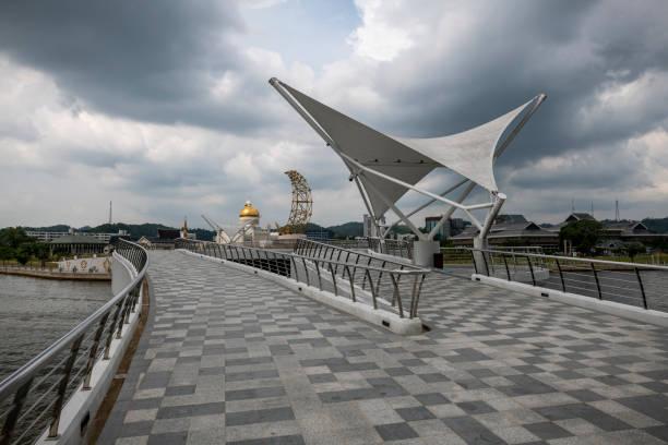 Fußgängerbrücke in Bandar Seri Begawan, Brunei – Foto