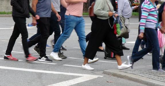 Pedestrian Crossing Zebra Crossing Scenery - Fotografie stock e altre immagini di 2010