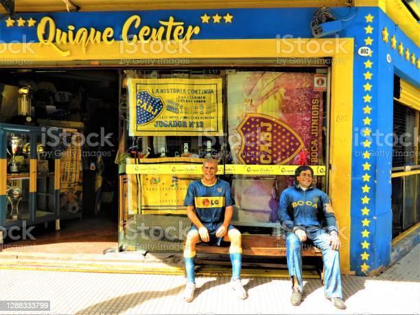 Foto de Rua Pedestre Do Distrito De La Boca Em Buenos Aires e mais fotos de stock de América Latina